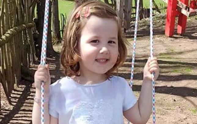 Alička zvládla jako miminko vážné onemocnění ledvin, zvládne i autismus